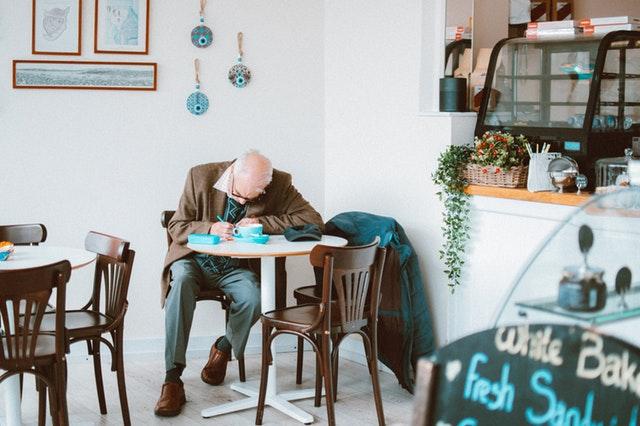 kave-alzheimer-kavegep-berles-budapest