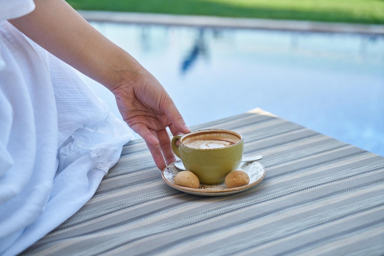 kávé-kánikula-nyár-nyaralás-01